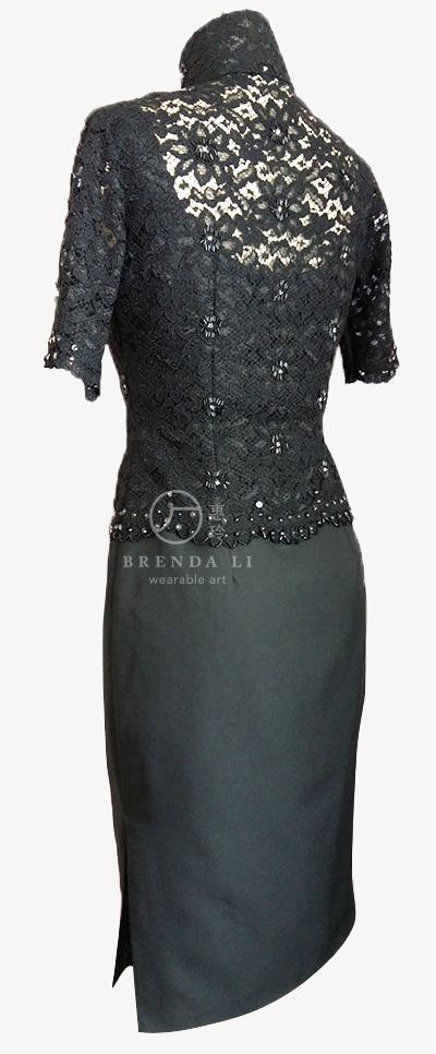 上身蕾絲綴珠片中袖袷長衫(背面)